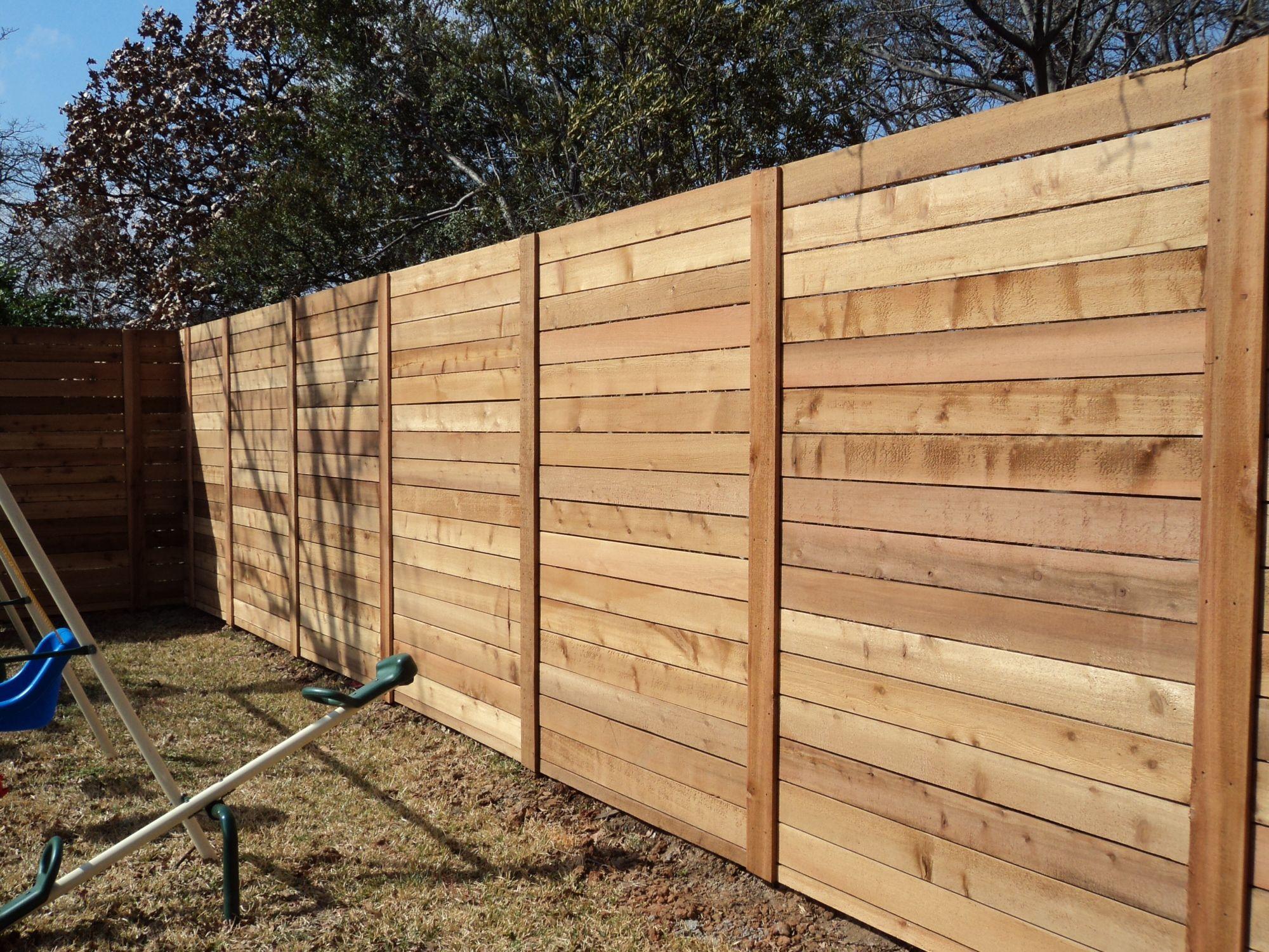 Horizontal wood fence.jpg