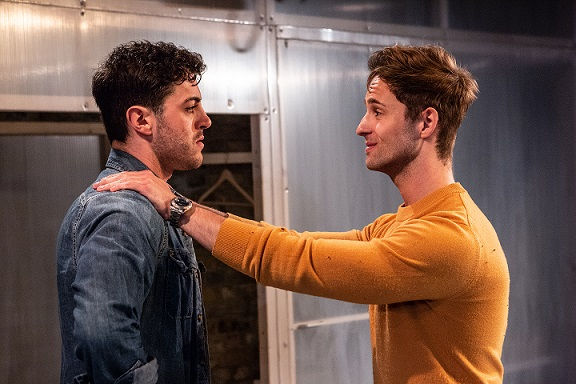 richard henderson and samuel curry perform in eyes to the wind at the arcola in londo n (photo: ali wright).
