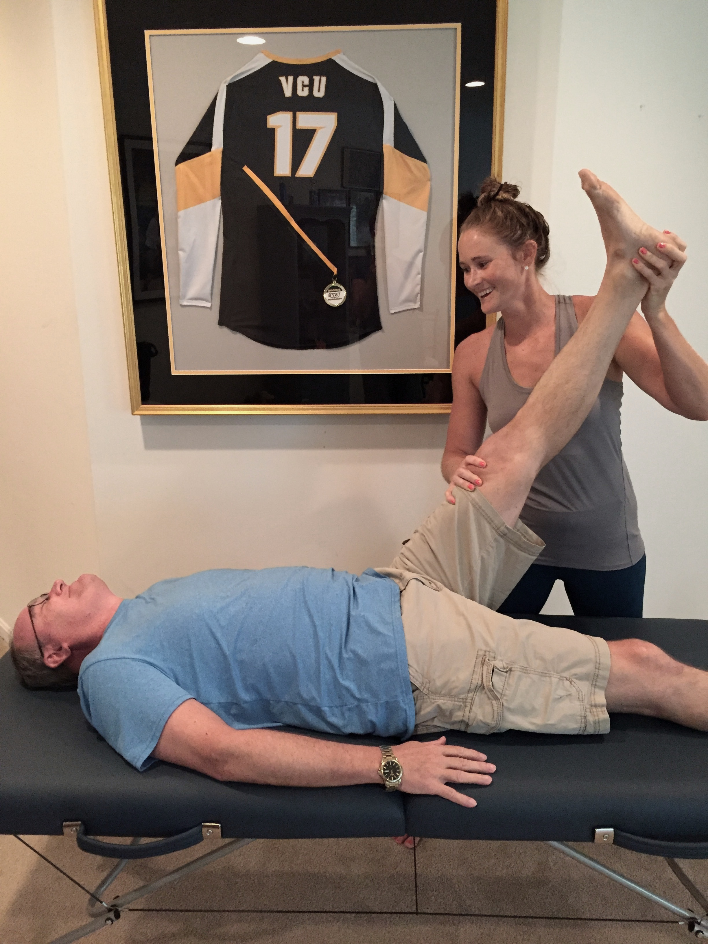 Sports PT Lab provides solutions to back pain that do not involve pain medication or surgery. - Back pain can include a whole host of diagnosis and each has a different treatment approach. You cannot do the same thing for disc herniations as you do for arthritis or sacral instability. It's important to look at the whole picture and determine the root cause before proceeding with a treatment plan. Rest, medications, or injections alone will not solve the problem or keep it from returning.This is why Sports PT Lab works one-on-one with clients to create a specific plan for each individual.If you have questions about your specific back pain issue and want to understand the best treatment options for your condition, then please fill out the inquiry form. I want to hear from you and help provide clarity.