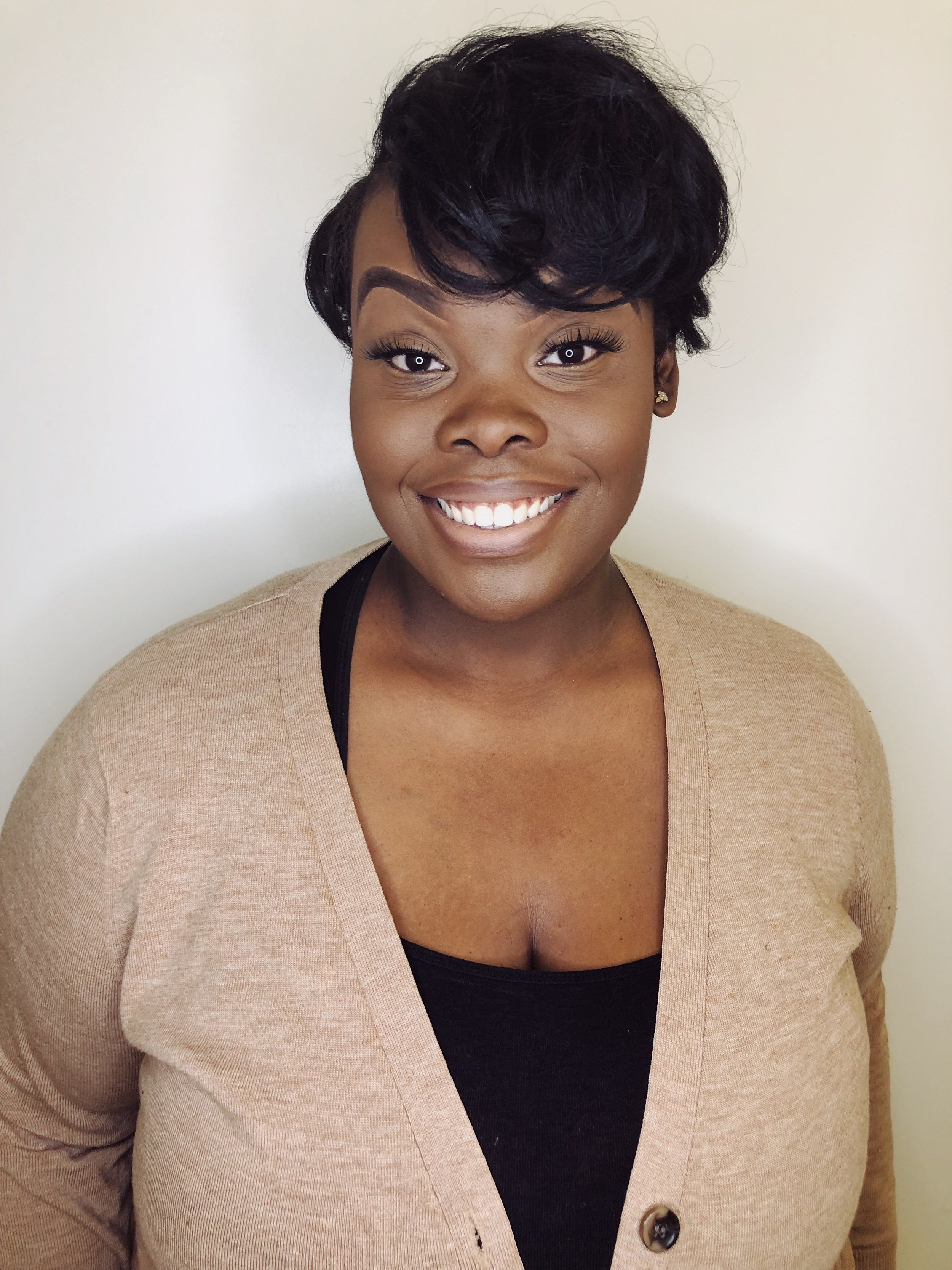 SHINNIKA C.HAIRSTYLIST - Education: Marca College5+years experience in braiding and weave sewins. Shinnika is passionate about natural hair care and strives to ensure each client understands and how to manage and maintain their hair. Creating a fun and inviting atmosphere is what she's about!IG: @neekah.lee