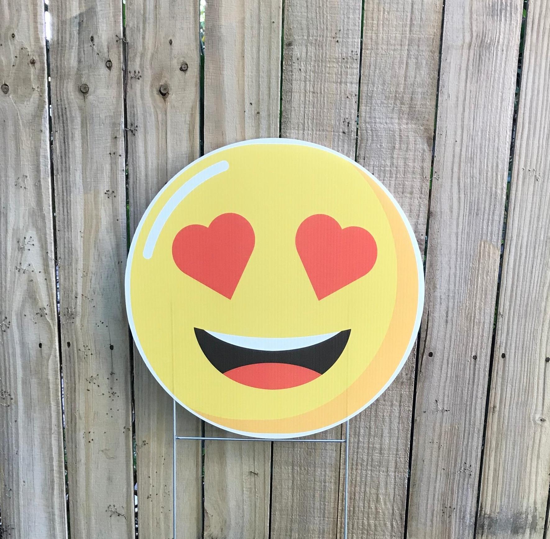 heart eye emoji.jpg