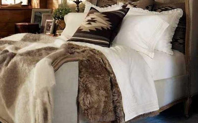 Suri fur comforter, luxury bedding in Taupe