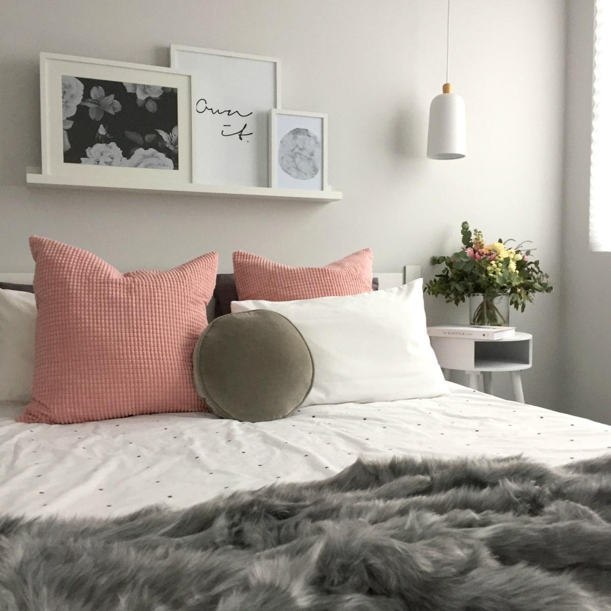 Suri fur comforter, luxury bedding in Dark Gray