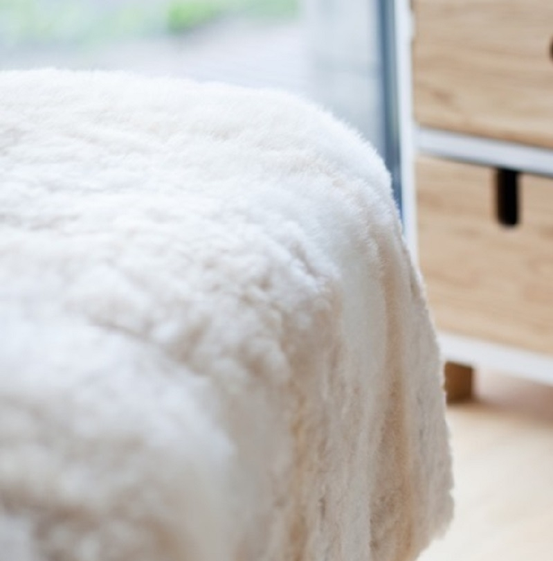 Hua Alpaca fur comforter in Light Cream Mix