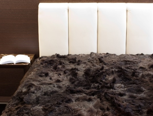 Suri Alpaca comforter in Natural Black