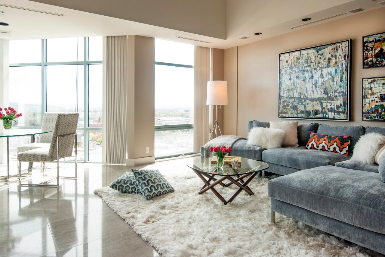 Suri Livingroom rug in Pearl White.jpg
