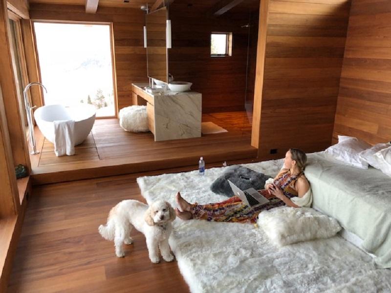Hua Alpaca fur rug in Pearl White.jpg