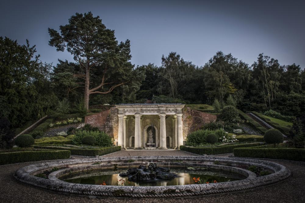 896-italian-gardens wotton house weddings.jpg