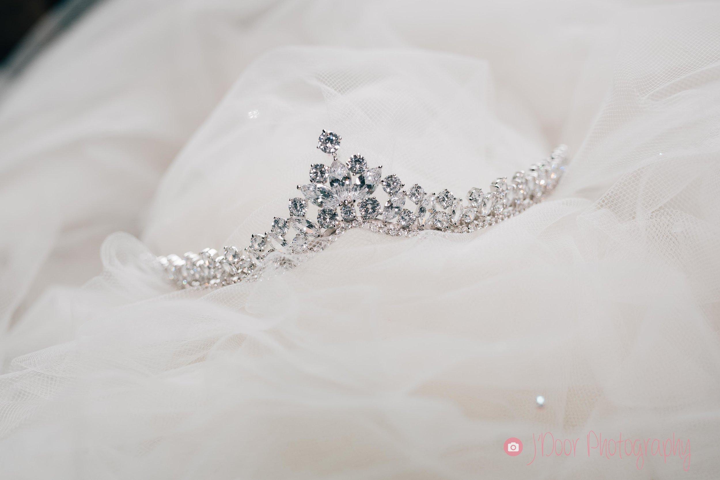 New York style tiara