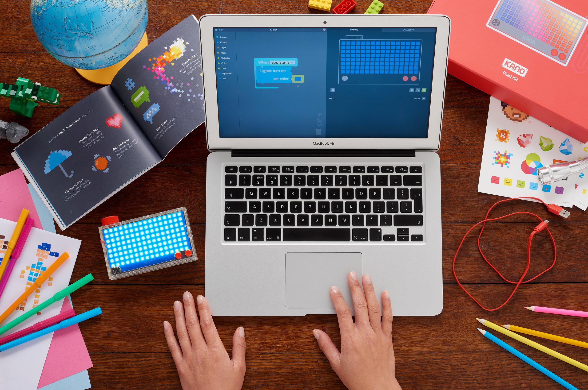 Pixelkit_Wood_Laptop_RGB.jpg