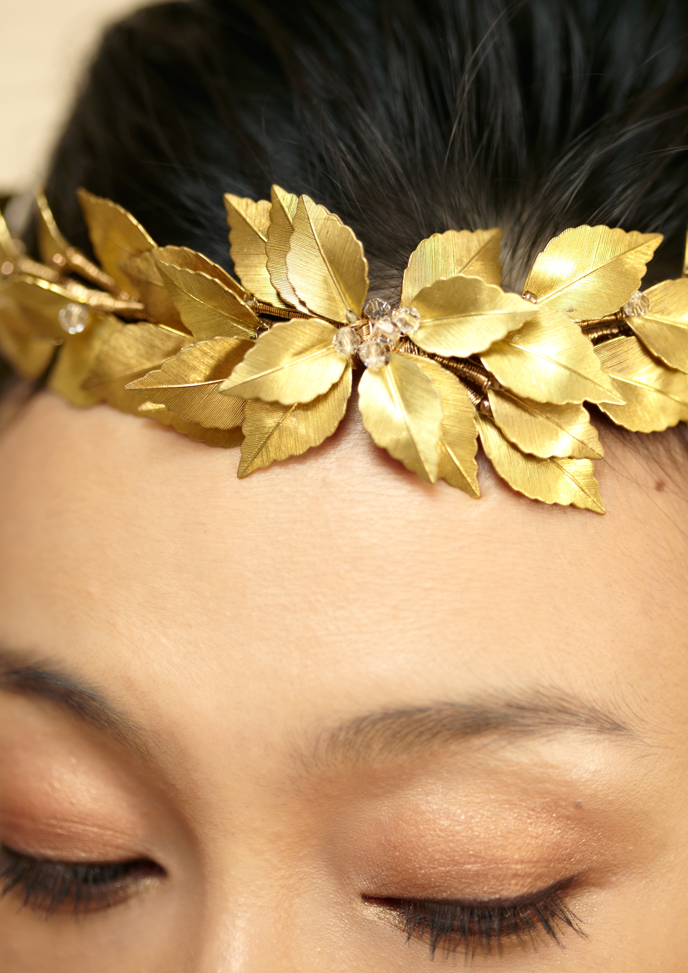 gold wreath two 1400px.jpg