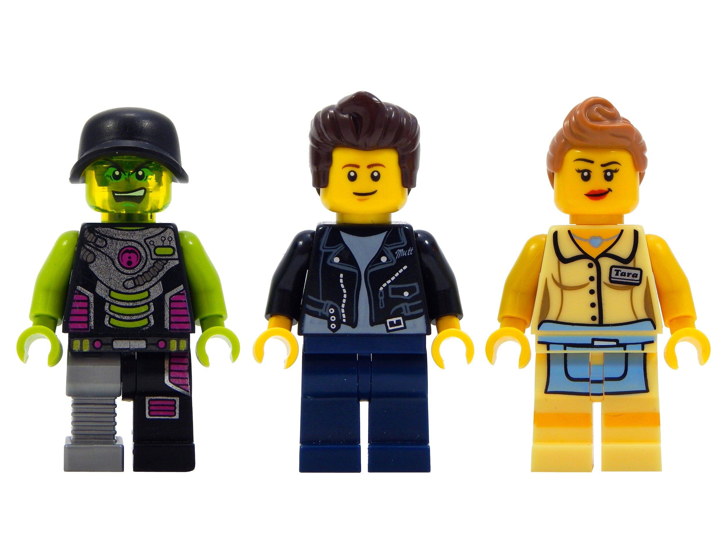 52014 Minifigures.jpg