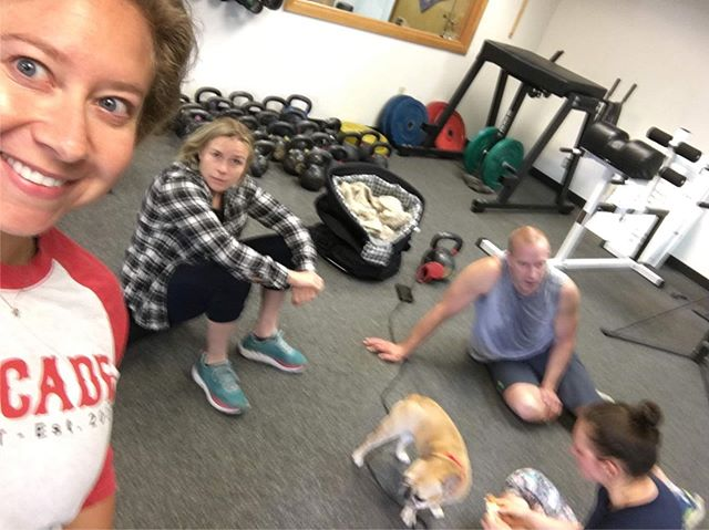 We work out, but sometimes we just sit around, take selfies and pet dogs.⠀ ⠀ Reserve a spot in your first CrossFit Class for FREE via the link in our bio or at www.cascadecrossfit.com 😎⠀ #fitfam #cascadecrossfit #crossfit #northbend #issaquah #snoqualmie #issaquahhighlands #sammamish #fallcity #preston #fitness  #workout #motivation #fit #gym #fitspo #training #exercise #gymlife #fitnessmotivation #getfit