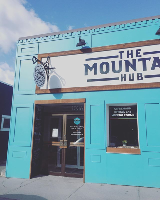 That turquoise tho... 😻 . . . . . . #mountainhub #coworking #coworkingspace #invermere #invermerebc #workspace #smallbusiness #supportlocal #entrepreneur #womenownedbusiness #turquoise #downtown #officespace
