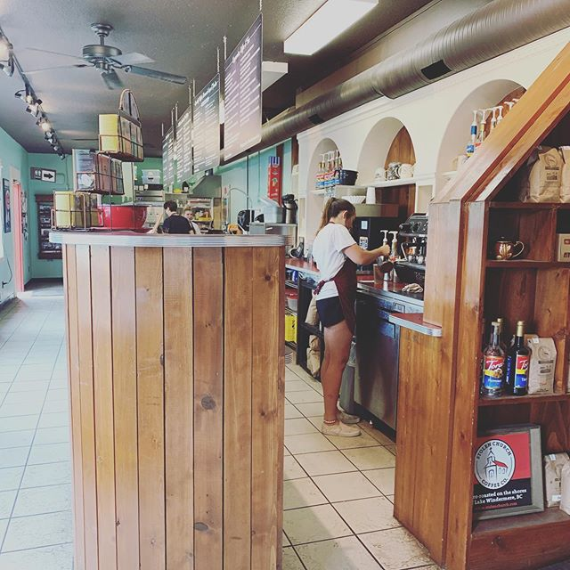 Sure, we have free coffee at the Hub. And yes, we only serve Stolen Church coffee. Buuuuuut there's something about the smiling faces and mad barista skills at @gerrysgelati that we can't get enough of. Thanks for great coffee, amazing food and awesome people! 👏🏽 👏🏽 👏🏽 . . . #businessbuddies #smallbusiness #supportlocal #invermere #invermerebc #downtown #coffee #entrepreneurs #smalltownliving