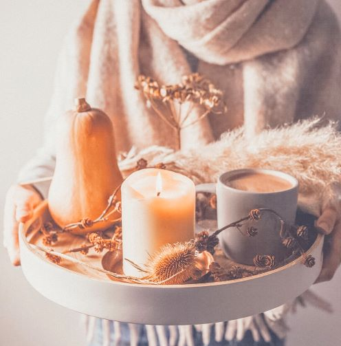 candle on tray fall.JPG