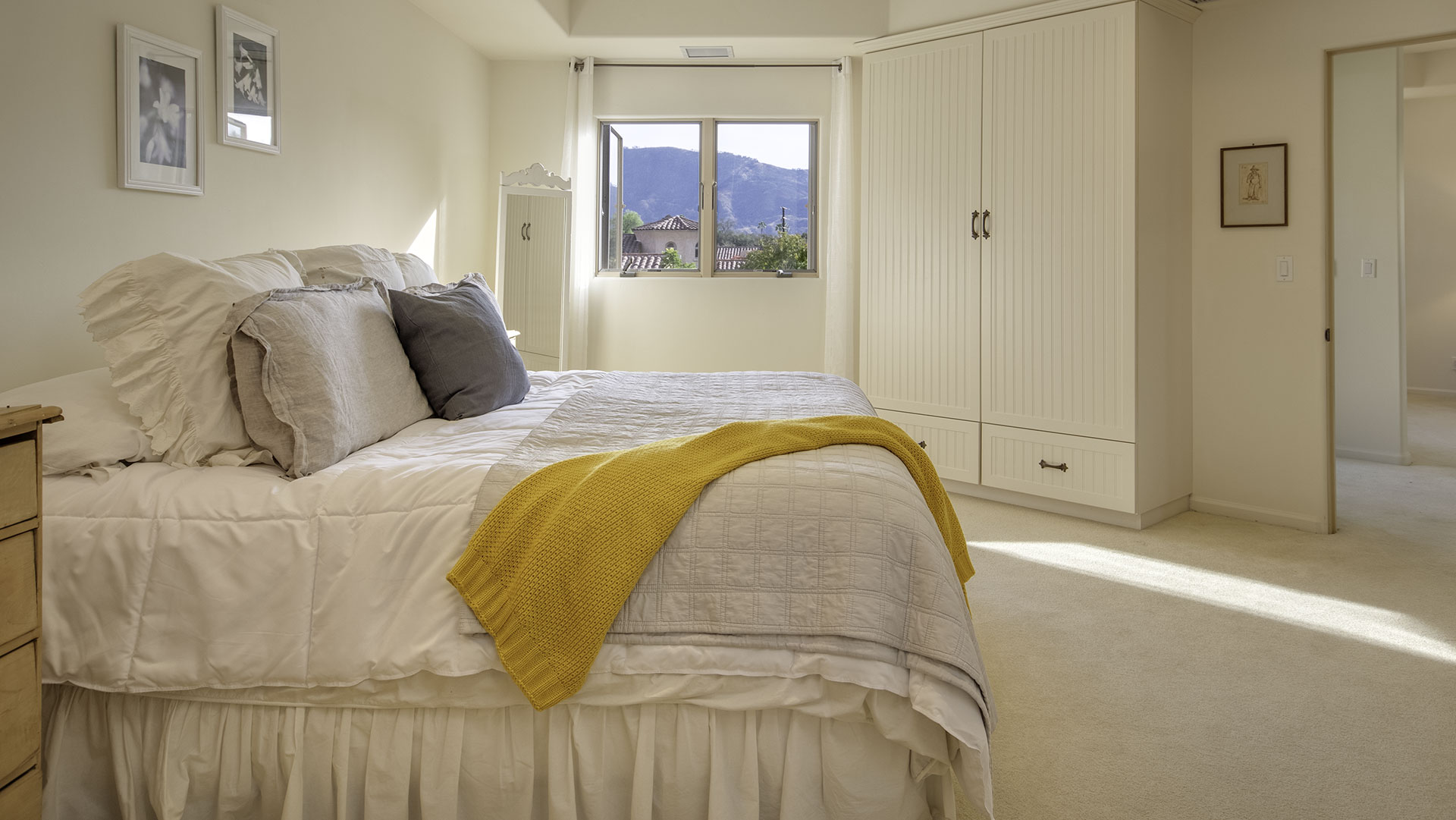 Ojai - Bedroom with View