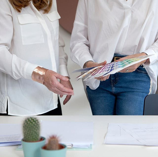 We are pulling together interesting and inspiring items for the upcoming Tactical Moodboarding Workshop for business. ⠀ ⠀ The workshop will be interactive, engaging and hands-on day and provide you with the tools to identify and develop your big business ideas or how your brand should look!⠀ ⠀ It'll be held at the beautiful @birdhaussocial on Saturday 6 April. Justine and I are really looking forward to the day with plenty of lovely surprises planned and not to mention a practical toolkit to follow.⠀ ⠀ ⠀ #zurichbrand #zürichsmallbusiness #moodboard #moodboardingforbusiness #problemsolvibg #womeninbusinesszurich #projectideas