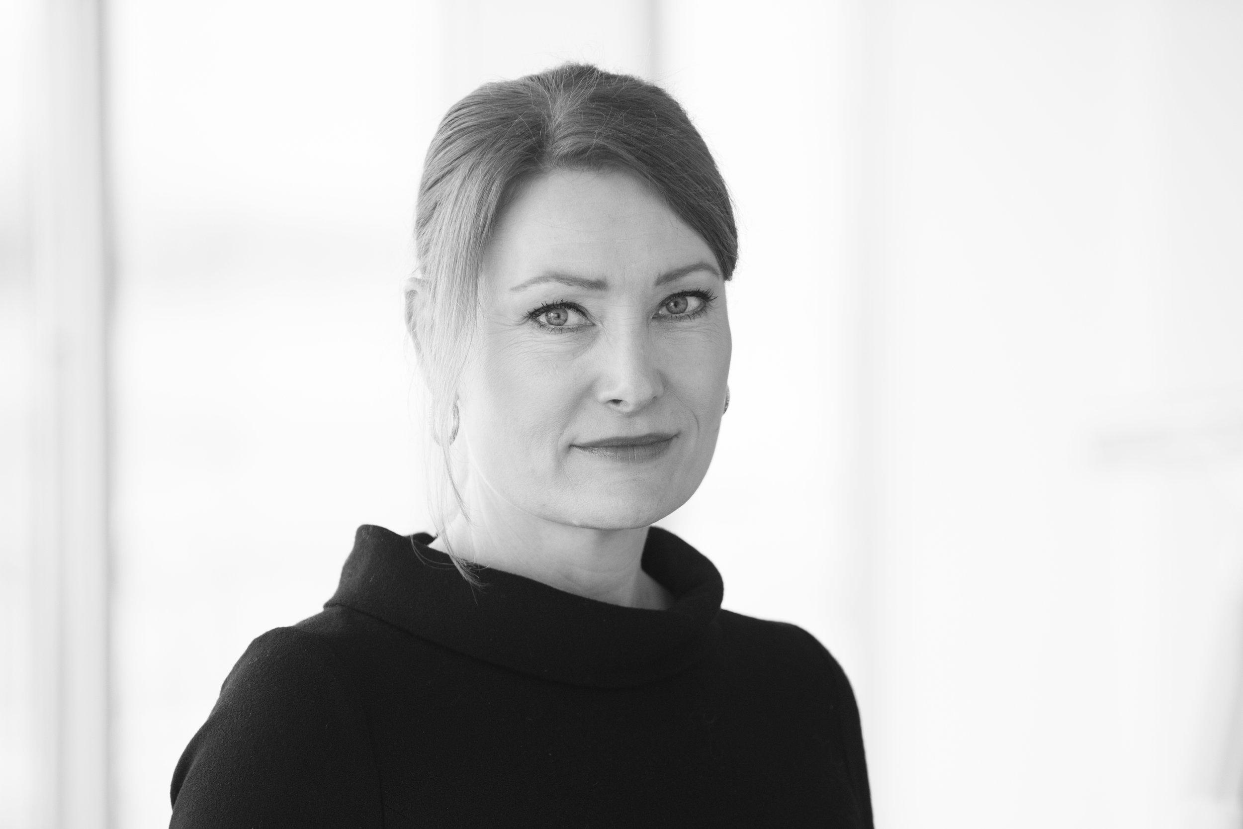 Charlotta Kvarnström - PartneriCharlottalla on kansainvälinen tausta b2b palveluista ja johdon konsultoinnista. Charlotta tulee meille toimitusjohtajan ja partnerin paikalta Accenturelta, jossa hän oli vastuussa Communications, Media & Technology Business Process Services i Norden – yksikön toiminnasta. Lue lisää →+46 (0)70 633 30 20charlotta.kvarnstrom@nordicinterim.com
