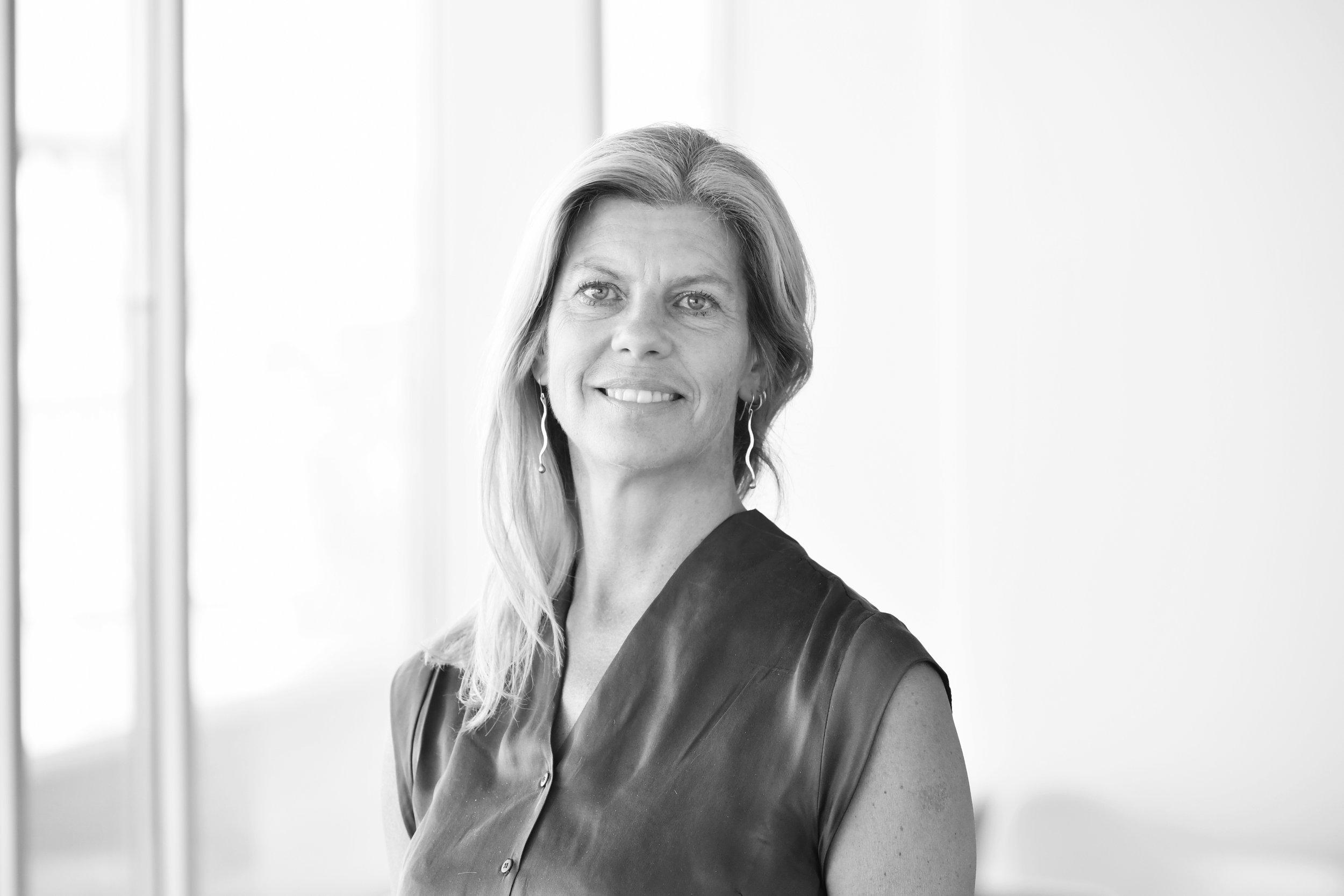 Ing-Marie Bigert Möller - ToimistopäällikköIng-Mariella on pitkä kokemus b2b toimialan palveluista. Aikaisemmin hän on työskennellyt muun muassa seuraavissa yrityksissä: McKinsey & Company, Nordea, Invacare, EIM, mm.Lue lisää →+46 (0)8 503 855 02ibm@nordicinterim.com