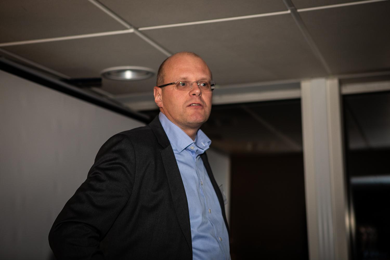 Björn Henriksson, CEO Nordic Interim, greets everyone.