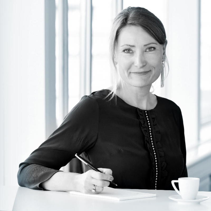 CHARLOTTA KVARNSTRÖM, PARTNER AT NORDIC INTERIM, SWEDEN - International background from professional services and management consulting. Previously Managing Director and Partner at Accenture, most recently heading up the Communications, Media & Technology Business Process Services in the Nordic Countries. Charlotta has been driving a number of comprehensive global initiatives focused on business and market development.