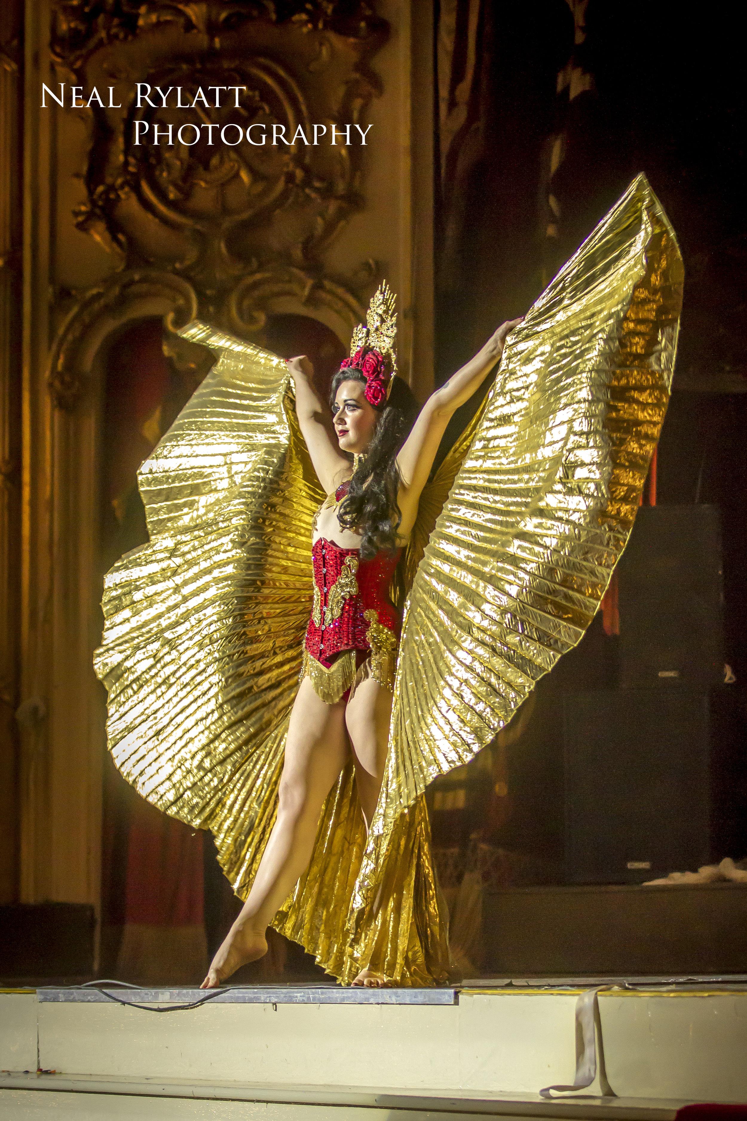 Burlesque Noir Eliza Delie 2.jpg
