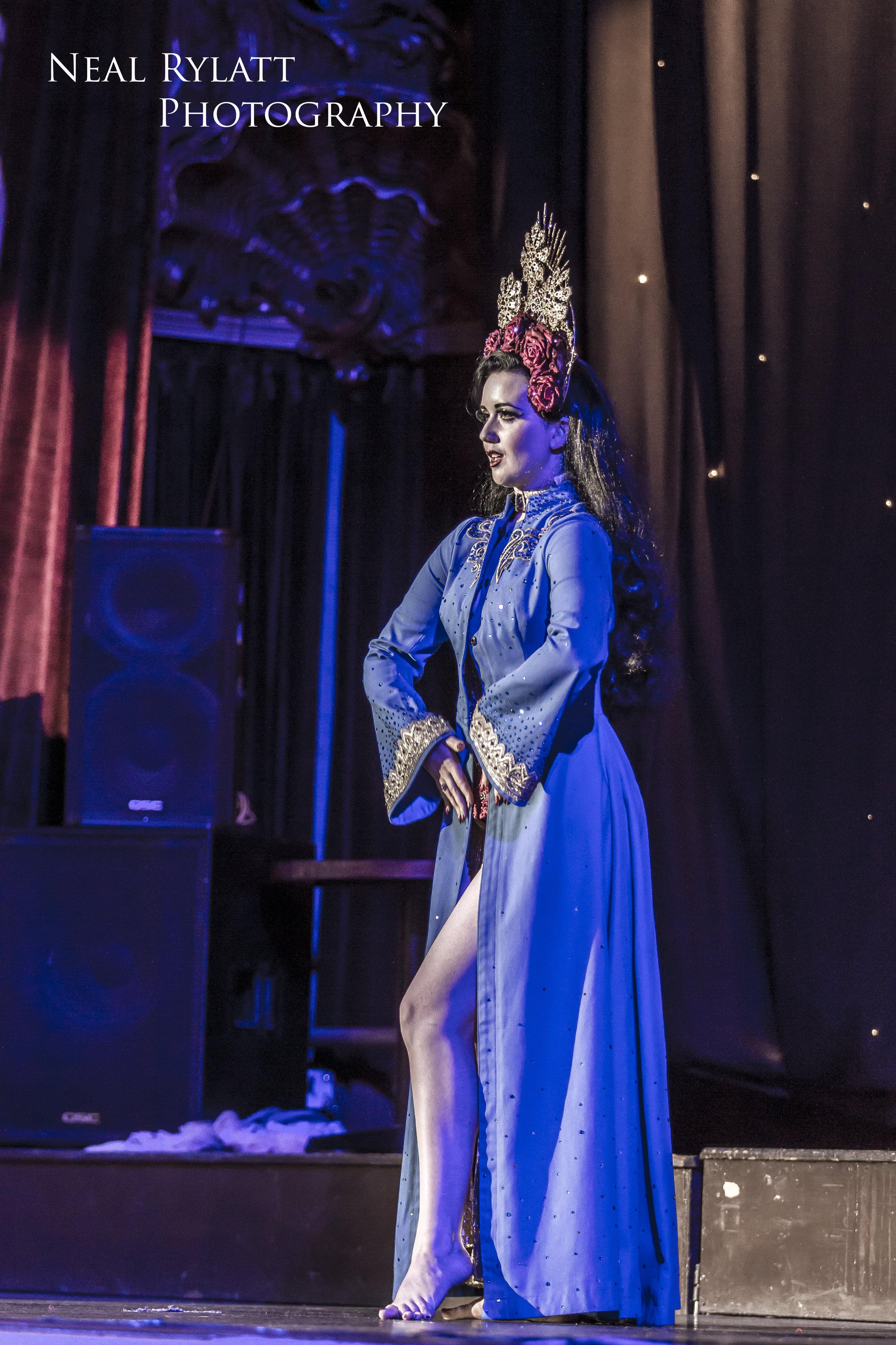 Burlesque Noir Eliza Delite 1.jpg