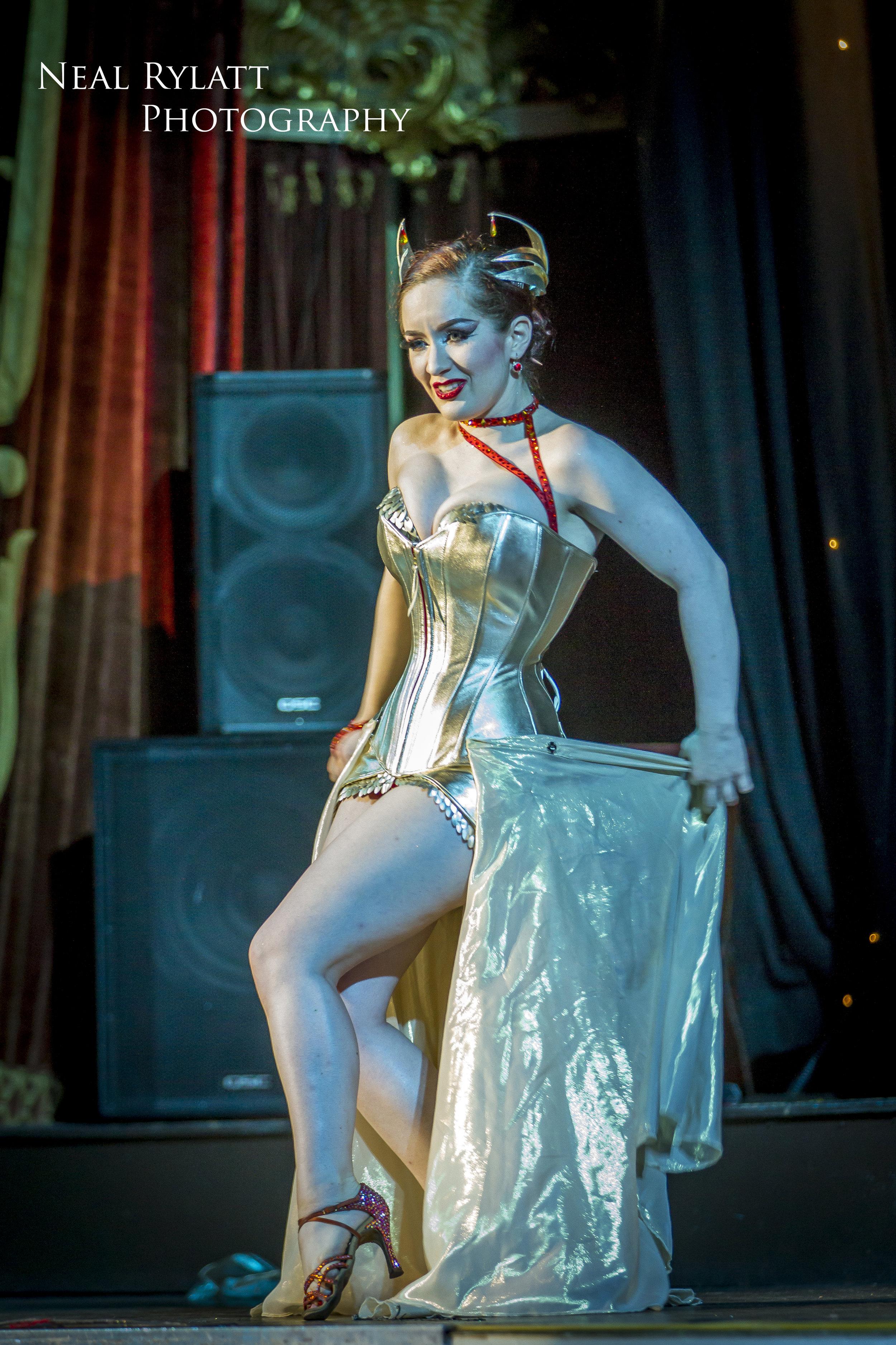 Burlesque Noire Medianoche 3.jpg