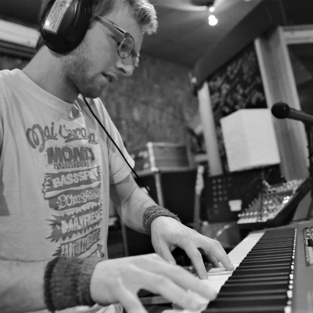 Carsten   Keys & Synth