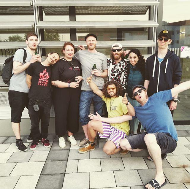 🙌🏼 Die Clique 🙌🏼 . . . @mondomashup @unison_festival . . . #mondomashup #family #backstage #immerballern #soulmates #düsseldorf #unisonfestival
