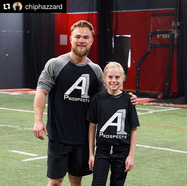 #Repost @chiphazzard with @get_repost ・・・ Things may come to those who wait, but only the things left by those who hustle🏃‍♂️💨 Early morning grind session 💪🏼 ✅