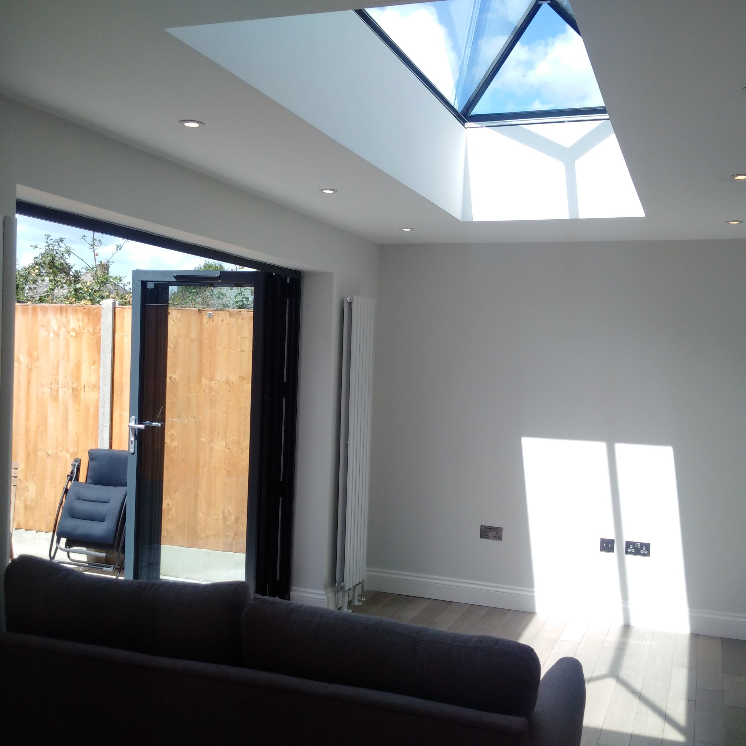 Internal view of extension and glass roof light.jpg