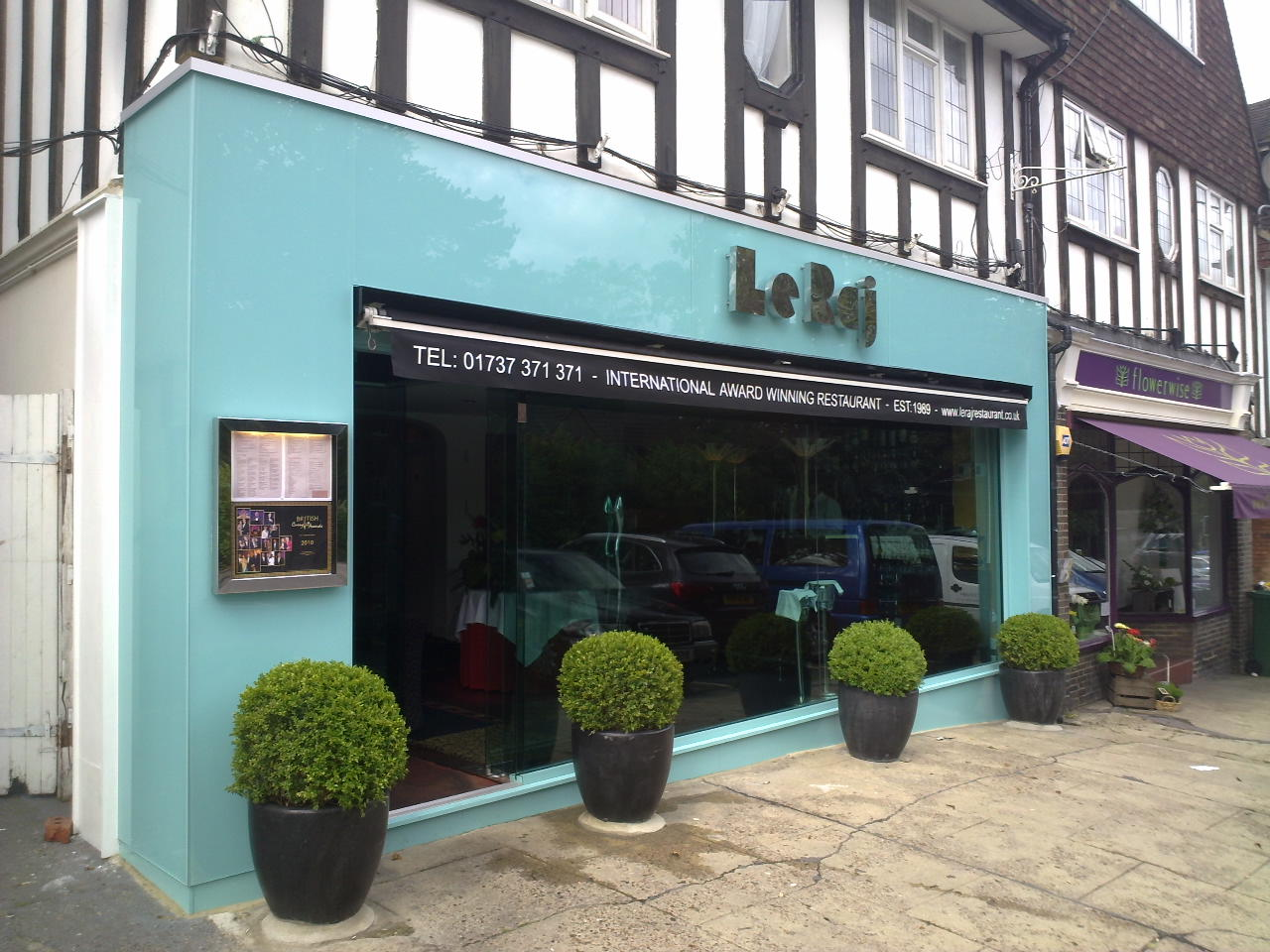 <p><strong>Shop Front</strong>Learn more about this project<a href=/restaurant-shop-front>More →</a></p>