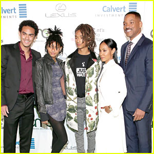 jaden-smith-hits-ema-awards-with-his-family.jpg