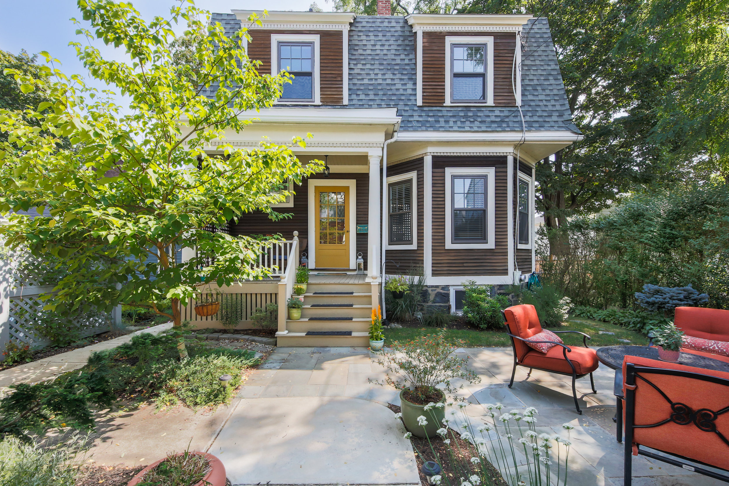 53A Dartmouth St - 3 Beds | 2 bath | 1525 SqFtSold for $835,000