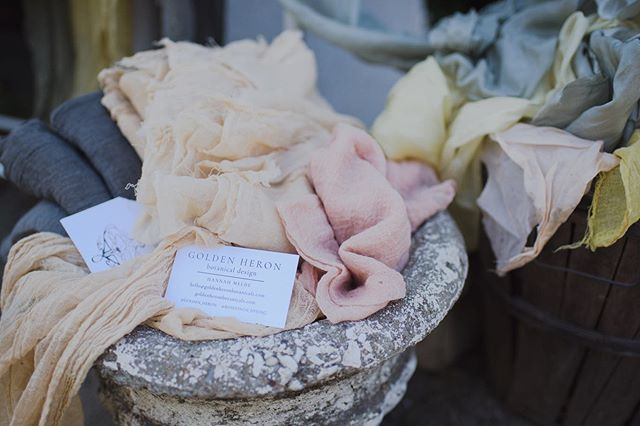 From a sweet little event on Rose Lane Farms last month put together by @opuseventsco 📷: @sam8910 • • • #naturaldye #handmade #slowfashion #sustainable #wedding #ecofriendly #foraged #losangeles