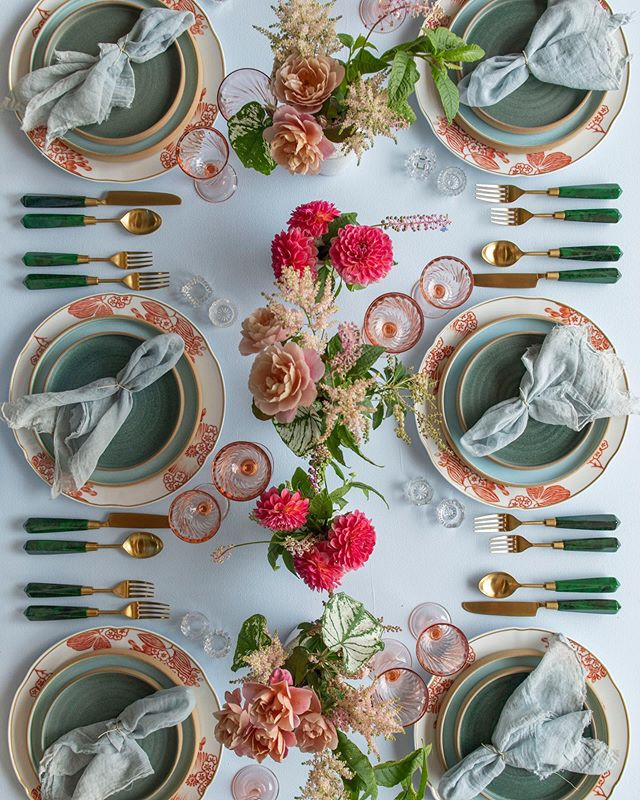 Ready for brunch with our custom blue napkins on this lovely table setting by @casadeperrin with @megan_gray florals • • • #naturaldye #handmade #slowfashion #sustainable #wedding #ecofriendly #foraged #losangeles