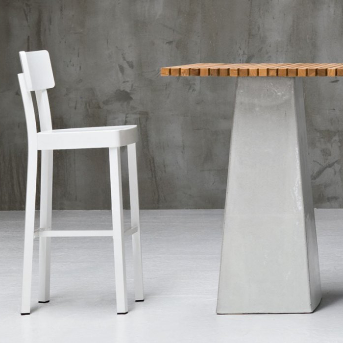 gervasoniinout 28w stool - Stool in aluminium, available in white.