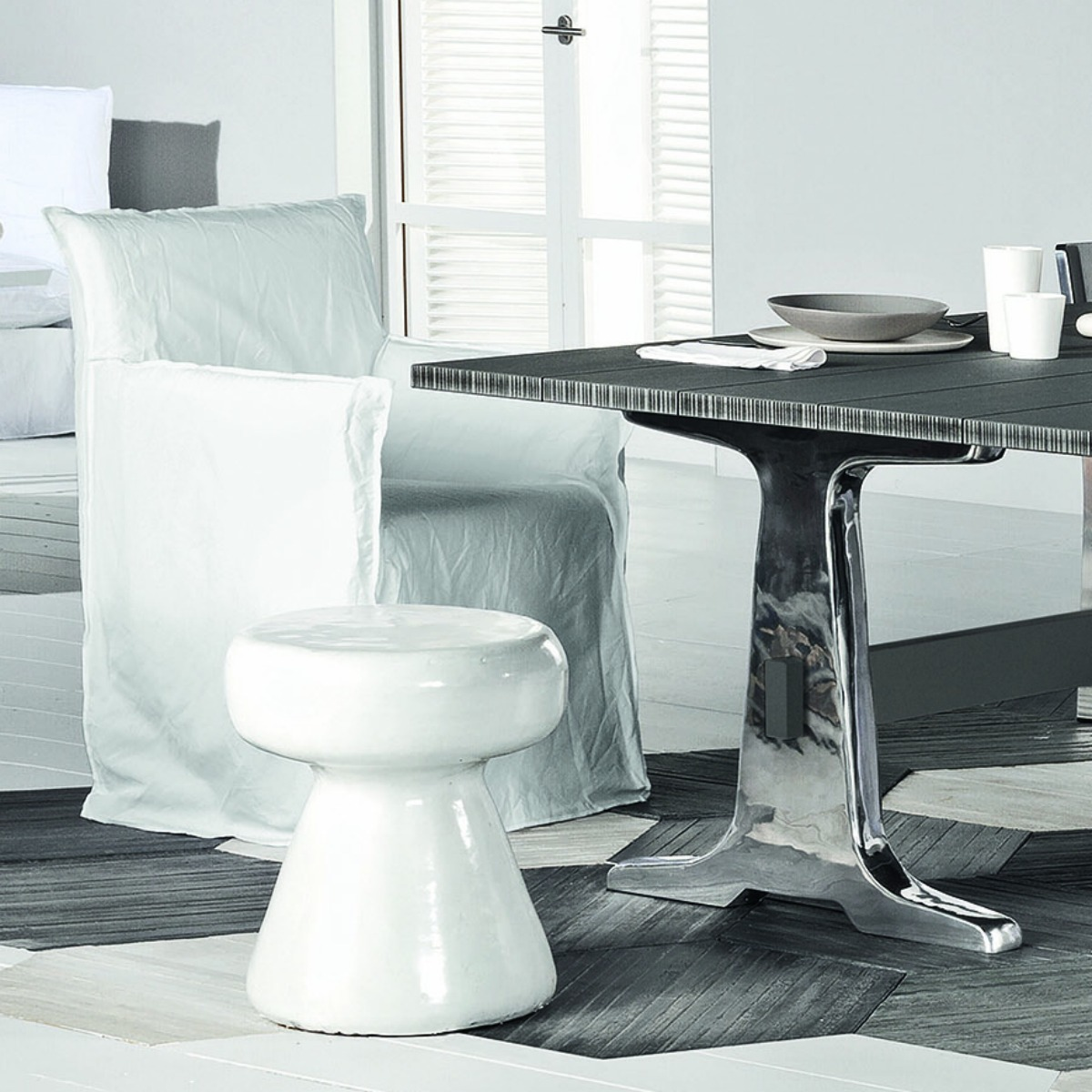 gervasoni ghost 24 - Dining chair with arms. White linen removable cover.