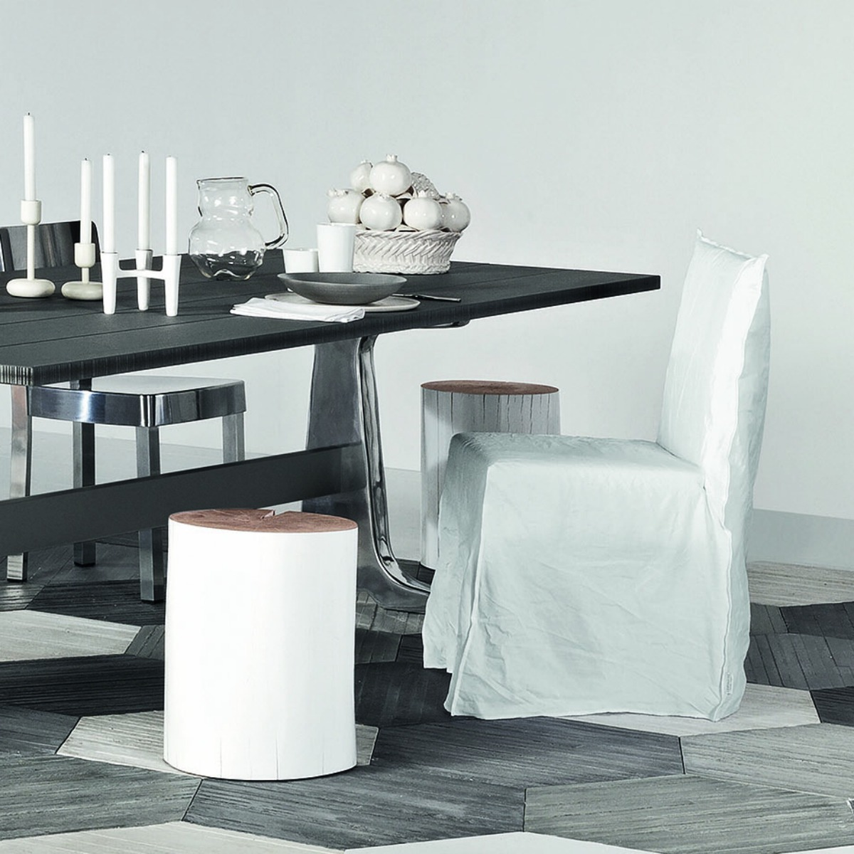 gervasoni ghost 23 - Dining chair without arms. White linen removable cover.