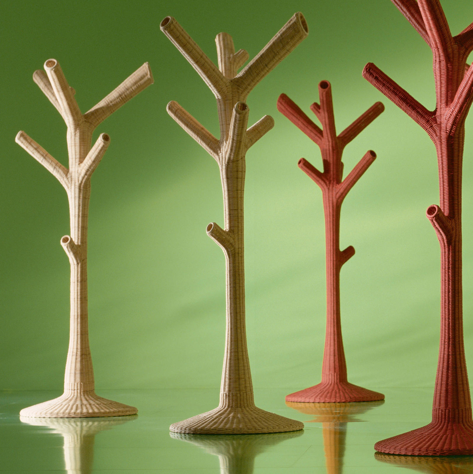GERVASONIcorallo coat stand - Coat hanger in natural melange rattan core; available in white.