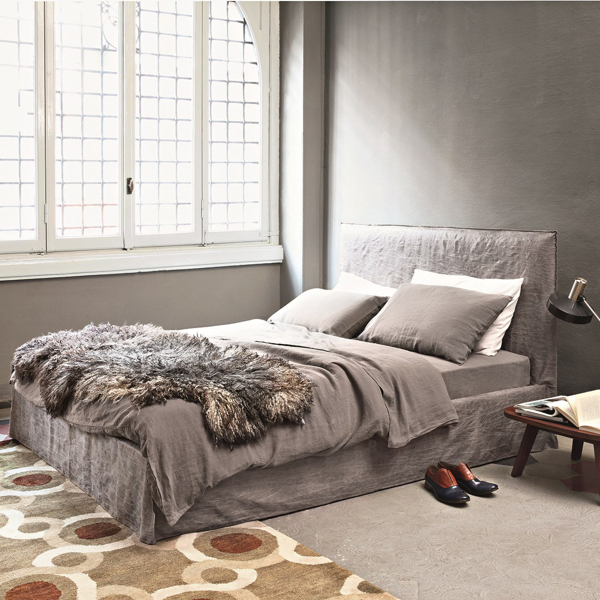 gervasoni GHOST 80E BED - Knock-down bed, multilayer and solid wood frame, adjustable slat supports, upholstered with polyurethane foams, removable cover.
