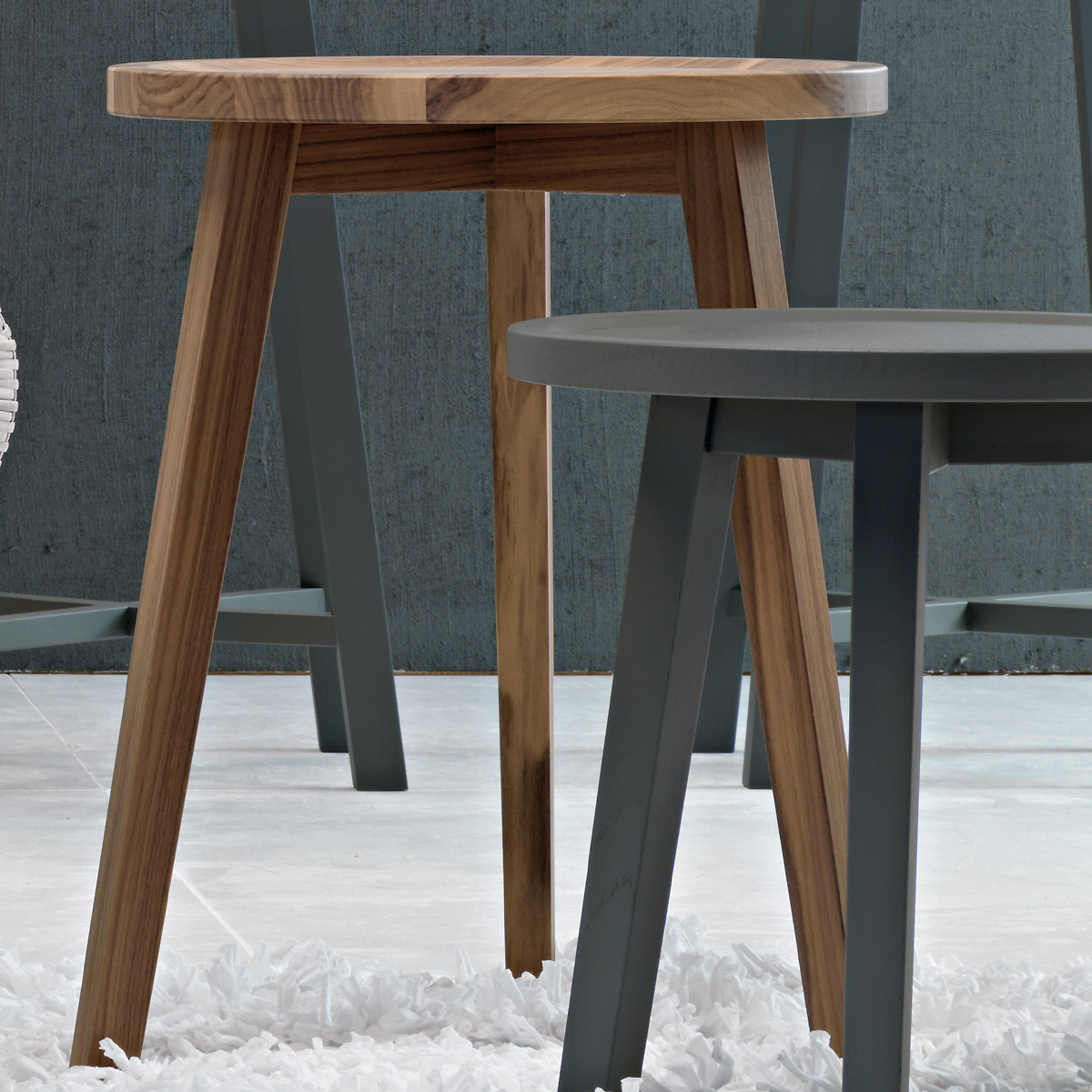 GERVASONI gray 42/44 - Side table, frame and top in solid walnut.