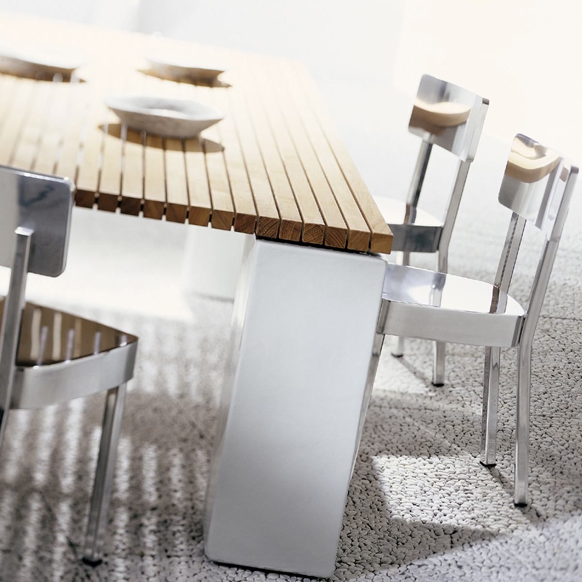 gervasoni inout 33/34 tables - Table with teak slats top, available in white.