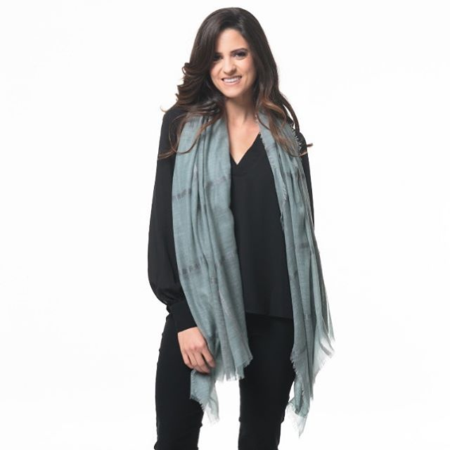 The summer scarf is currently an on-trend fashion item which can be in your wardrobe rotation year round. Our Leona Lee cashmere scarf can be worn in so many ways and it is luxurious, light weight and oh so versatile.  #fashionable #summerscarf #scarf #accesories #ootd #trending #fashionblogger #fashiondesigner #loveleonalee #fashionweek #fashionaddict #colorful #pattern #blogger #fashionlover #designer #luxury #fashionnova #fashiongram