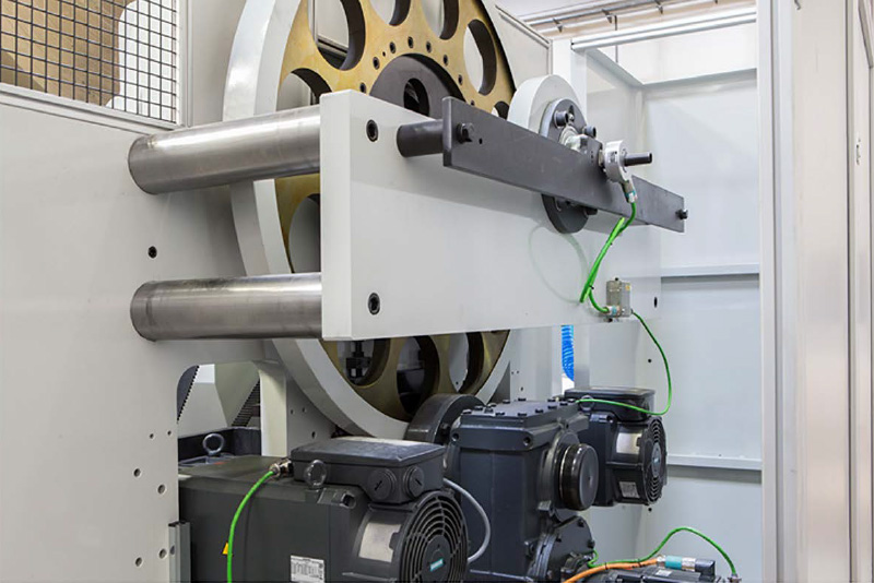 Dedicated (dual) servo motors for both turrets and robust metal framing for continuous print jobs can make your existing equipment more efficient
