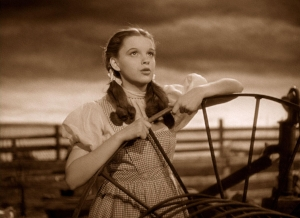 still-of-judy-garland-in-the-wizard-of-oz-(1939)-large-picture.jpg