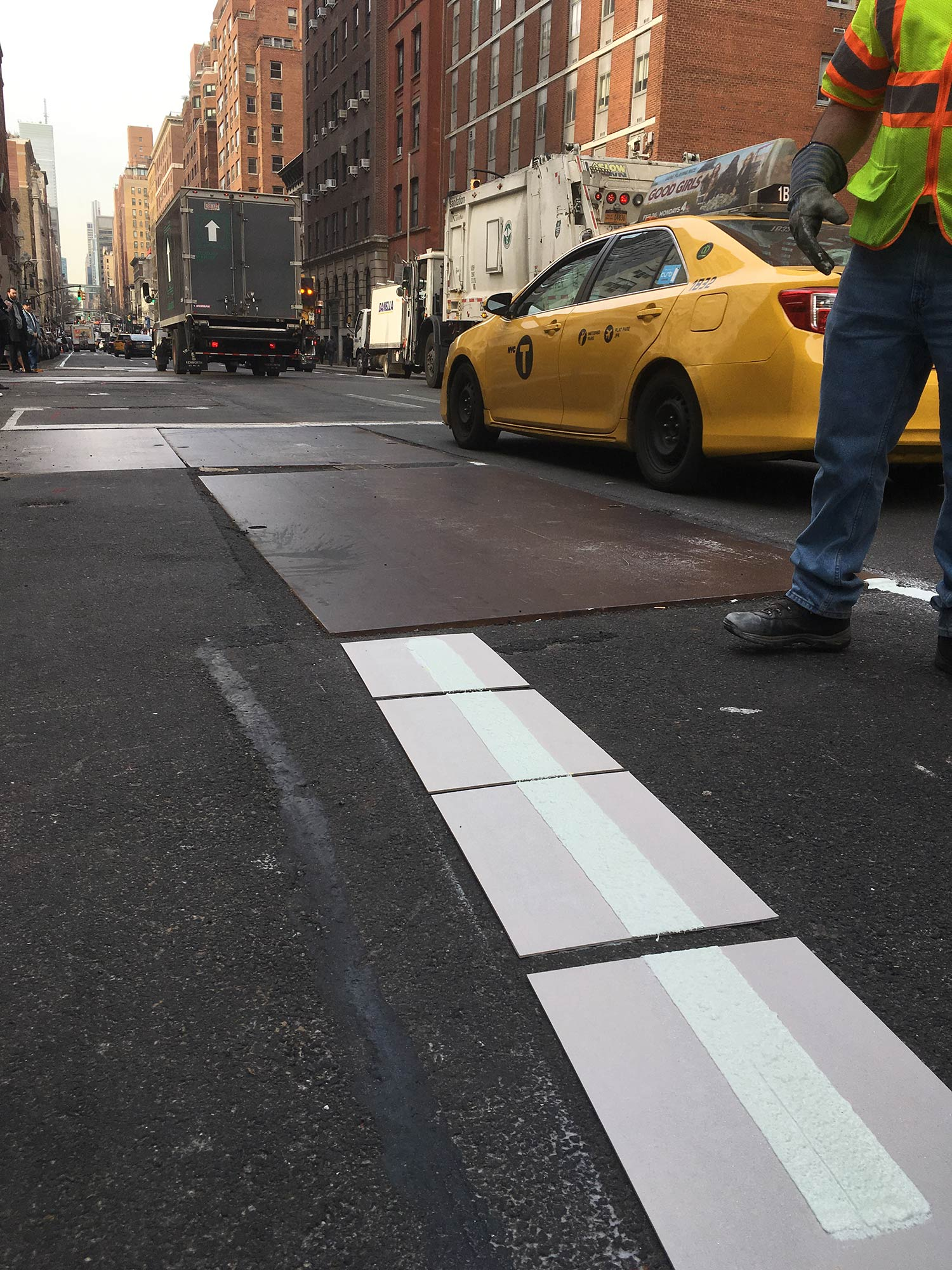 Road Marking Crew  Lexington Ave, Btw E77 St - E78 St, Manhattan, New York