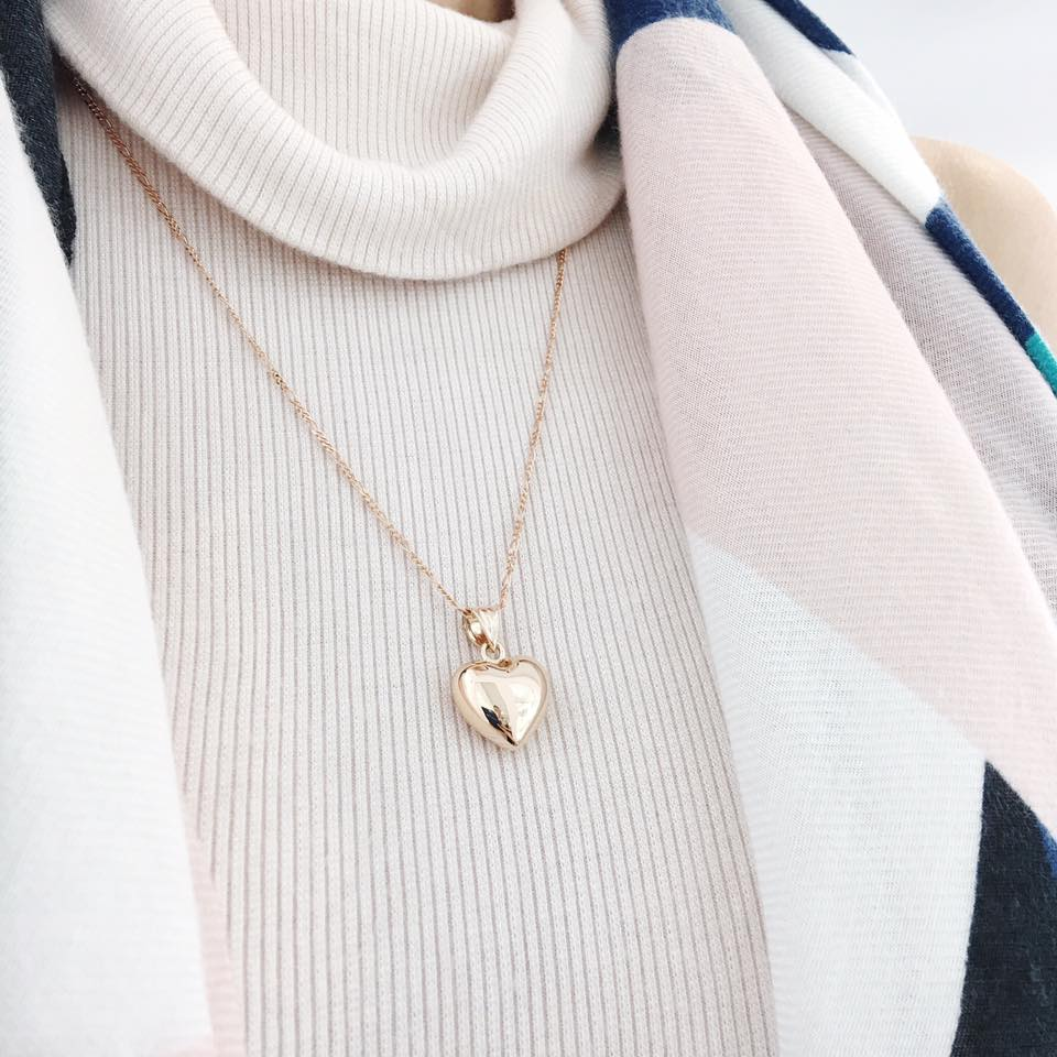 Some people have highly acidic skin which affects the colour of their rose gold jewellery and causes it to tarnish. If this happens to you, try wearing your rose gold in cooler months where you can layer it over high neck tops and avoid it from coming into contact with the skin.
